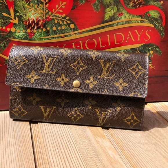 Louis Vuitton Handbags - 🎄Louis Vuitton Monogram Portefeuille Sarah Long